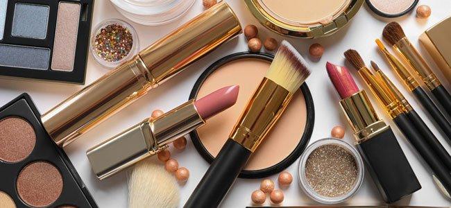 Produits cosmétiques et vente en ligne