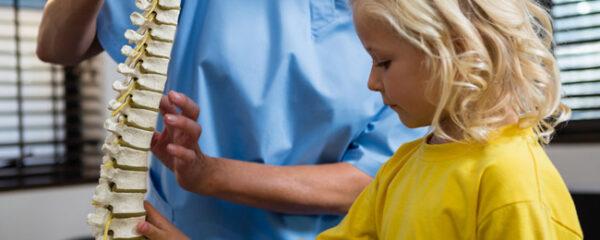 un enfant peut consulter un ostéopathe